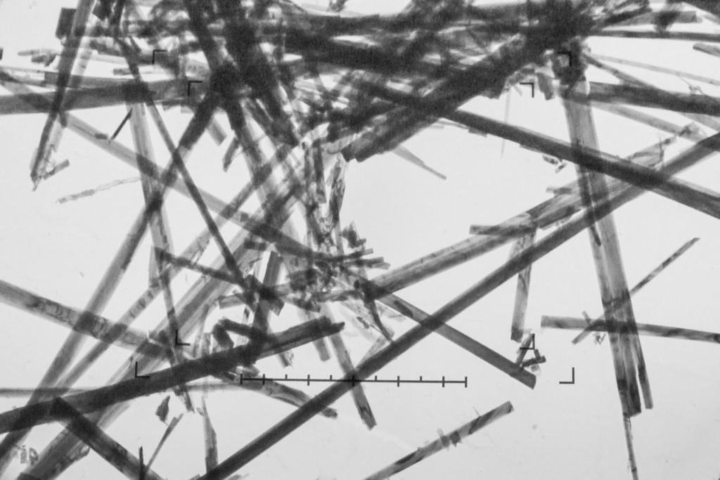 Was ist Asbest - stark vergrößerte Asbestfasern